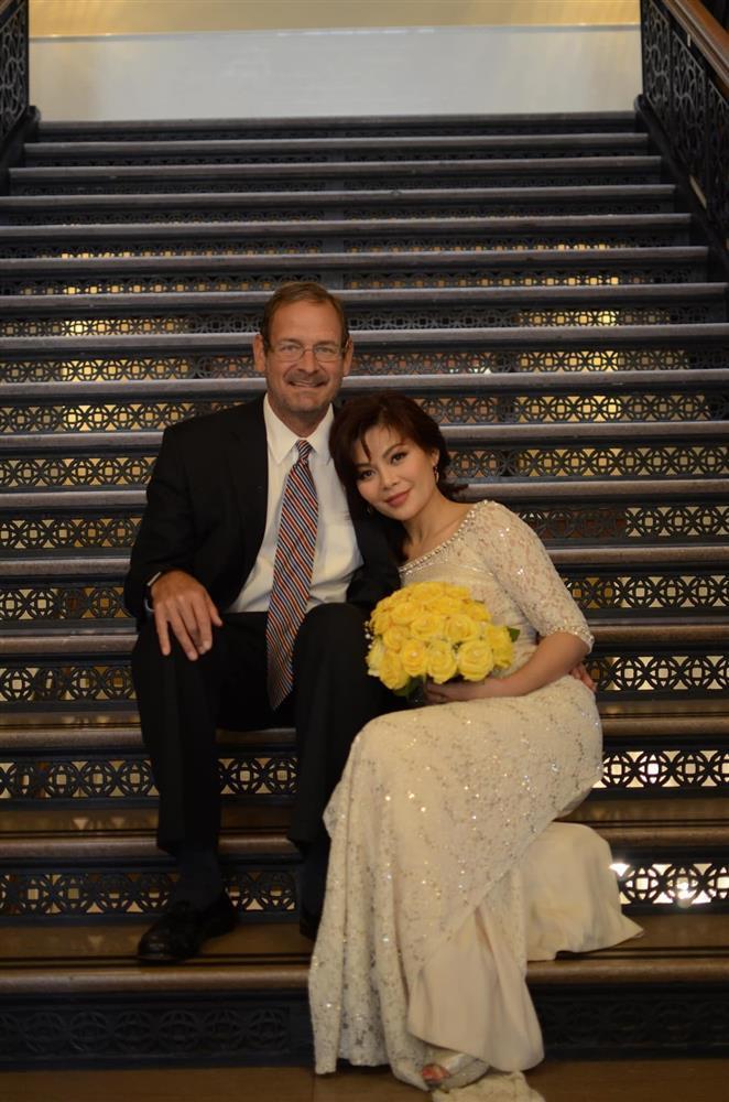 Ngọc Anh 3A viên mãn khi tái hôn với chồng Tây-1