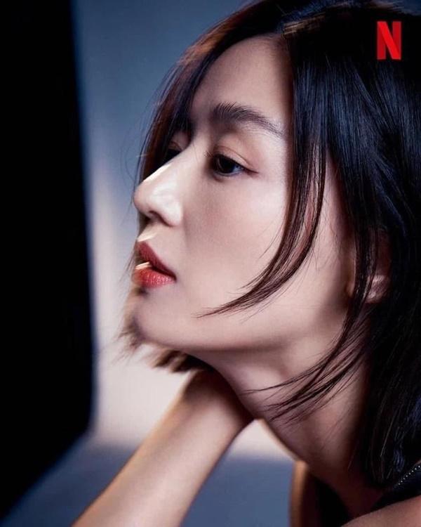 Vai diễn gần như không thoại, vật vờ như một cái bóng của Jeon Ji Hyun-3