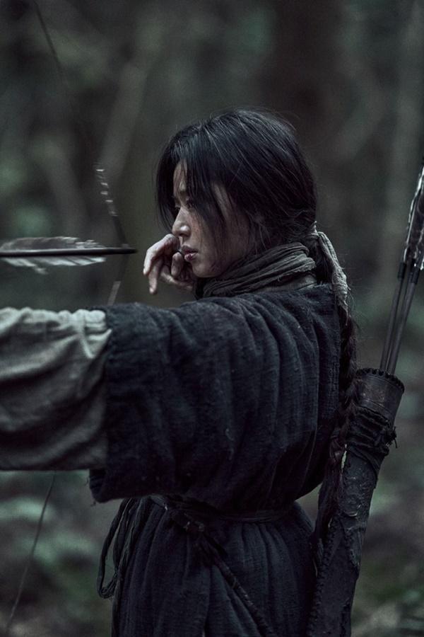 Vai diễn gần như không thoại, vật vờ như một cái bóng của Jeon Ji Hyun-7