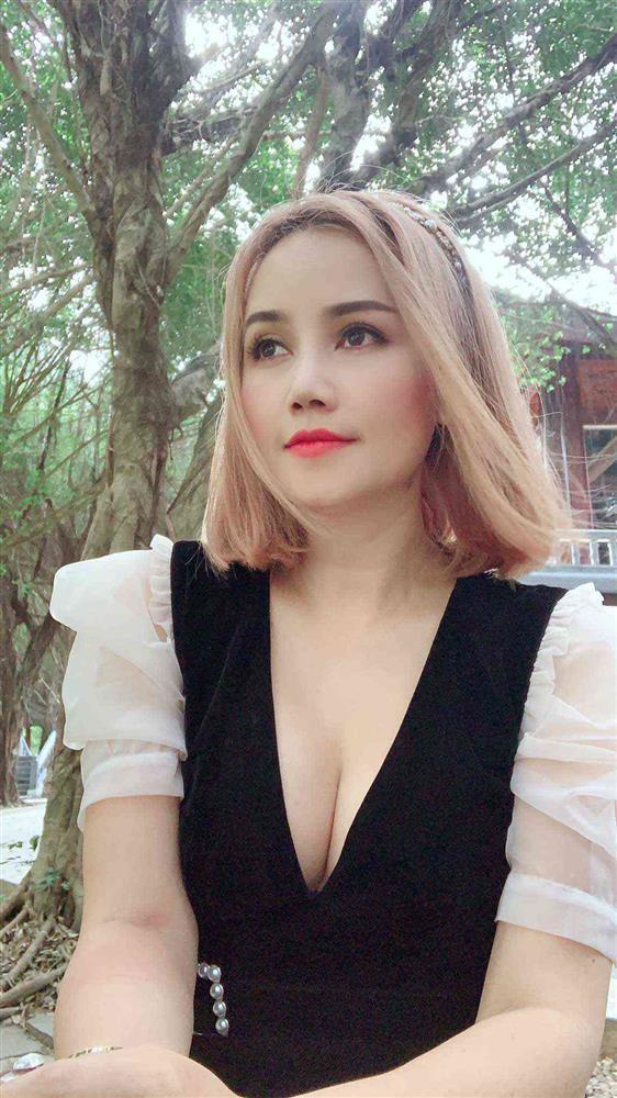 Cô Xuyến Hoàng Yến tái xuất trẻ đẹp còn hóa yêu tinh tai dài-8