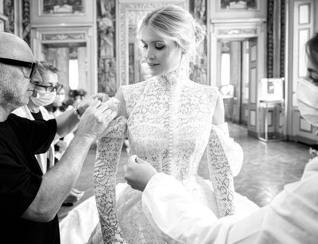 Cháu gái Công nương Diana kết hôn: Bộ váy cưới và câu chuyện đằng sau số 32-7