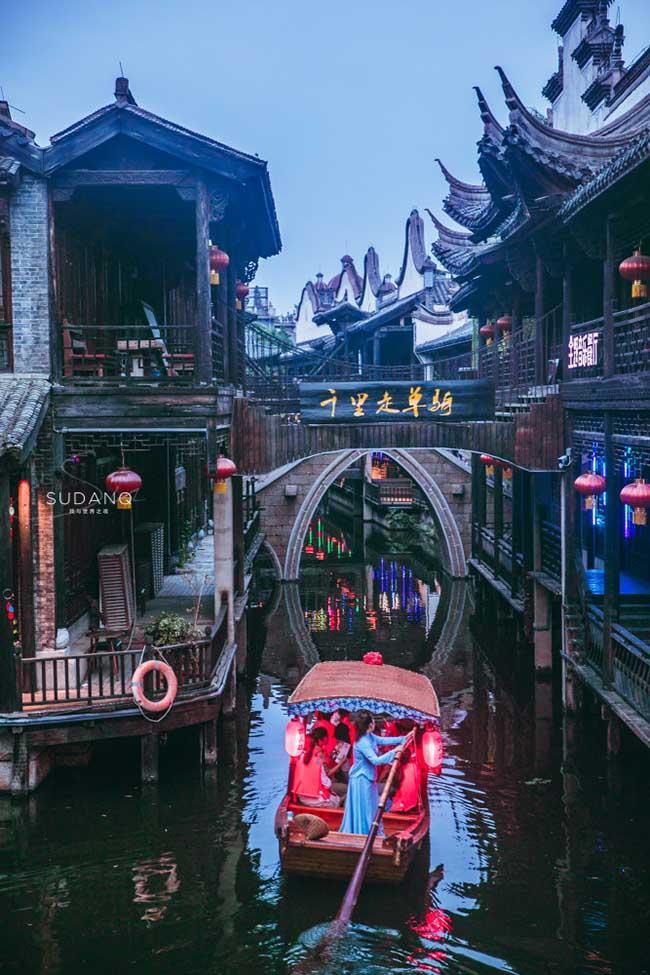 Thị trấn đẹp nhất thế giới, được cả vua Khang Hy và Càn Long khen ngợi-9