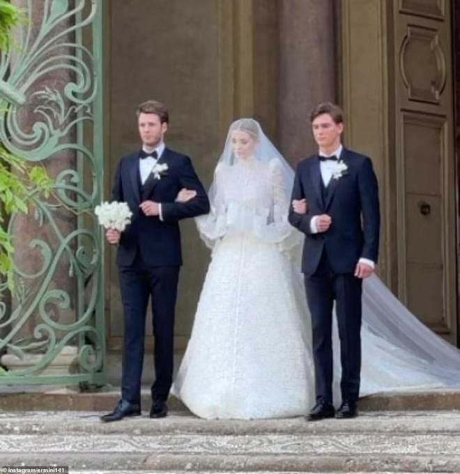 Ảnh cưới hoàng gia của cháu gái Công nương Diana và hôn phu hơn 32 tuổi-8
