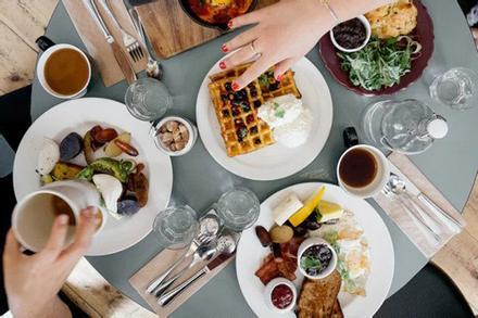 Điều tệ hại gì xảy ra nếu bạn thường xuyên bỏ bữa trưa?