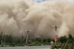 Bão cát nhấn chìm thành phố ở Trung Quốc