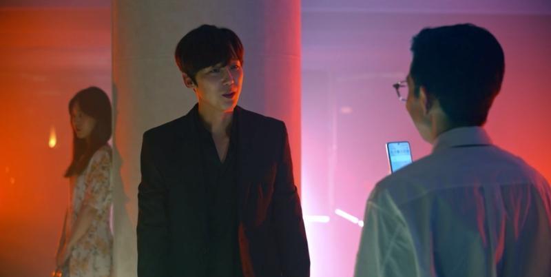 Cảnh bị cắt trong tập 7 Penthouse 3: Ha Yoon Cheol say sưa hôn gái lạ-4