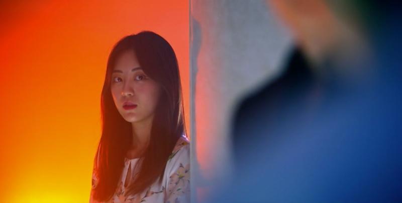 Cảnh bị cắt trong tập 7 Penthouse 3: Ha Yoon Cheol say sưa hôn gái lạ-7