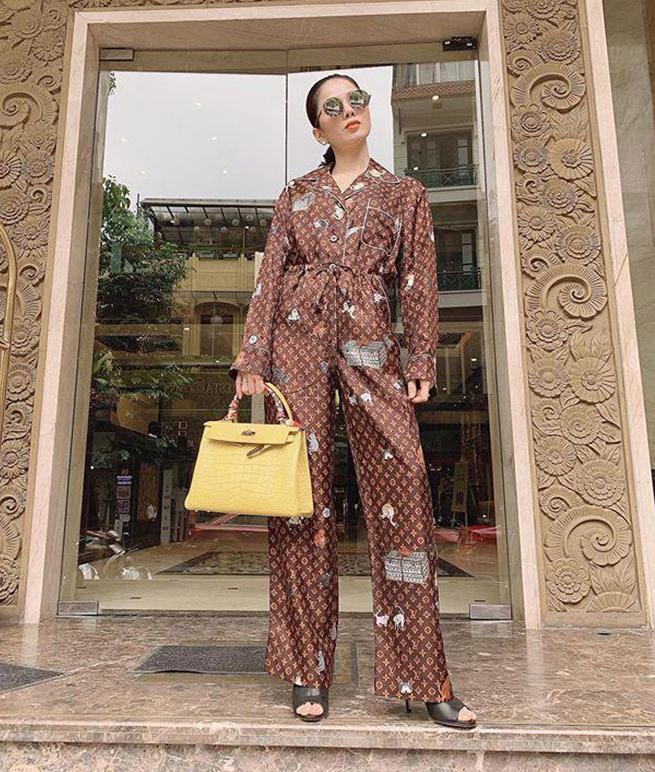 Hà Hồ, Lệ Quyên mặc đồ ngủ pyjama thôi mà nhìn giá phát hoảng-3
