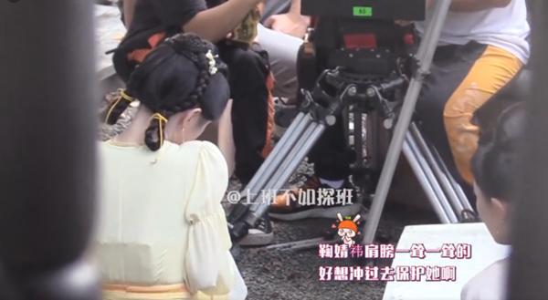 Cúc Tịnh Y bị đánh tới tấp, cuối cùng mỹ nữ cũng chịu hy sinh vì vai diễn!-5