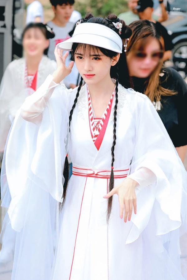Cúc Tịnh Y bị đánh tới tấp, cuối cùng mỹ nữ cũng chịu hy sinh vì vai diễn!-14