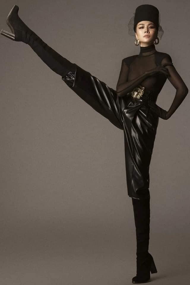 Cùng pose dáng xoạc rộng ra: Hà Hồ sang chảnh - Thu Minh kém duyên-3