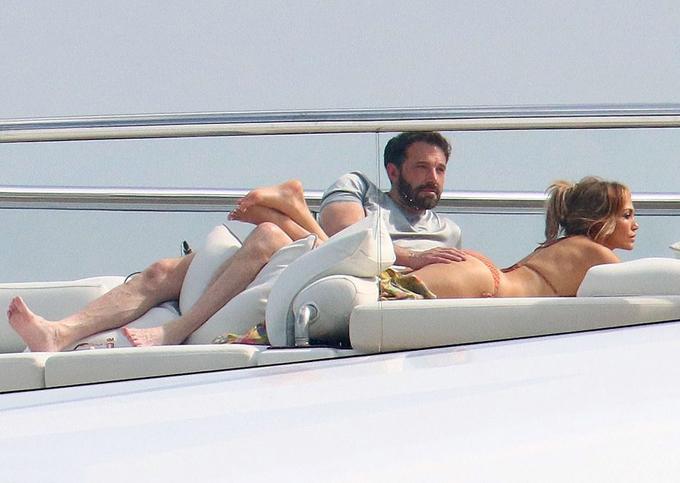 Tình mới và tình cũ của Jennifer Lopez suýt chạm trán-4