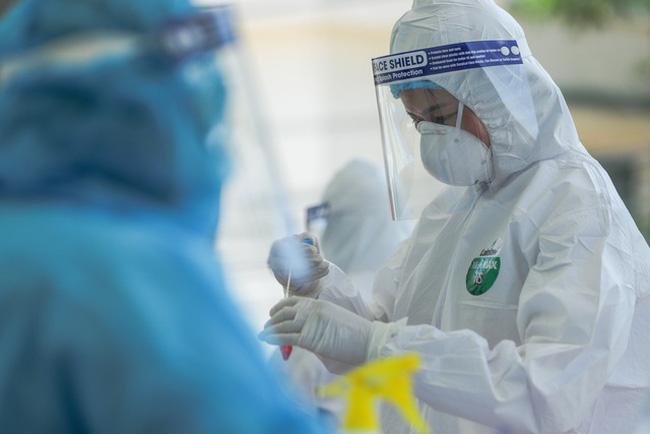 Hà Nội thêm 36 ca Covid-19, gia đình 5 người cùng nhiễm SARS-CoV-2-1