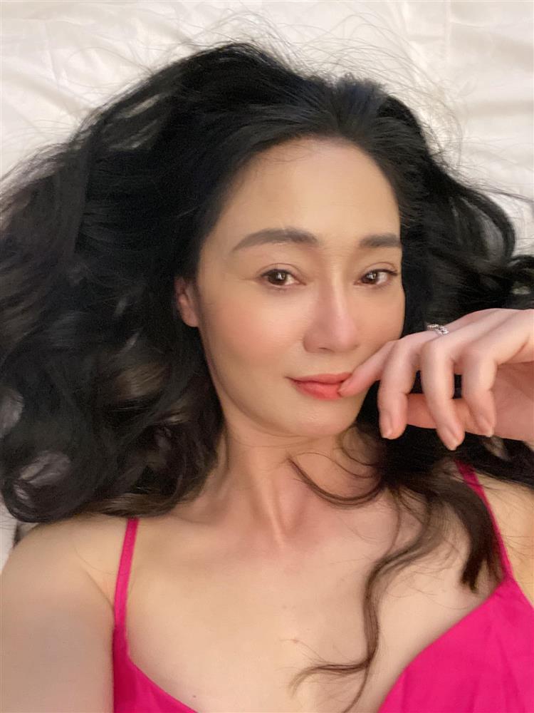 Bà Xuân Hương Vị Tình Thân nổi nóng khi bị chê xấu, già, mắt toét-4