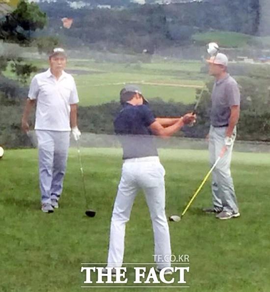 Thời trang golf hack tuổi, ton-sur-ton của Hyun Bin - Son Ye Jin-8
