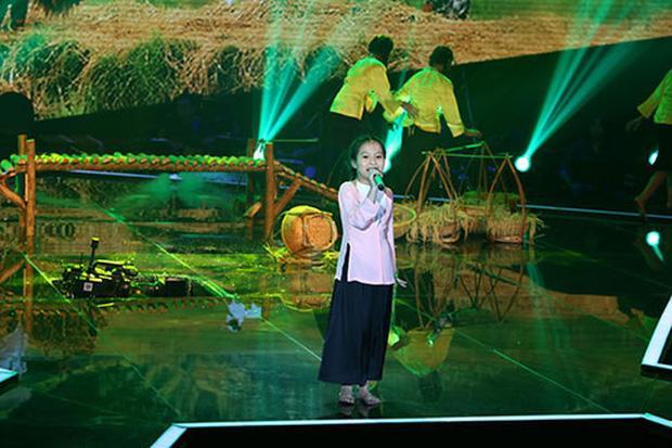 Giọng Hát Việt Nhí từng bị sập sân khấu, 3 người bị thương-2