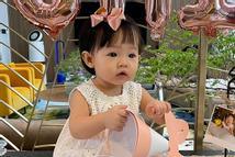 Con gái tròn 1 tuổi, Cường Đô La mới tiết lộ tên thật bé Suchin