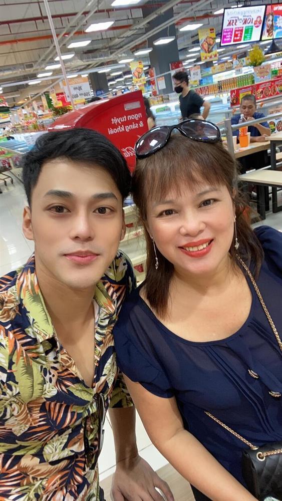Mẹ Phan Ngọc Luân đột ngột qua đời vì ngộ độc thuốc hạ sốt-4