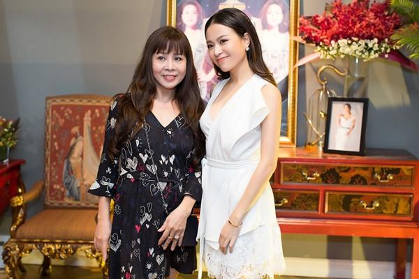 Ca sĩ Việt có cha mẹ nổi tiếng-5