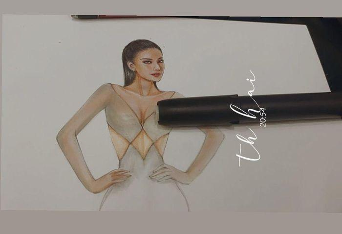 Sau Đỗ Thị Hà, Kim Duyên hé lộ váy dạ hội chinh chiến Miss Universe-7
