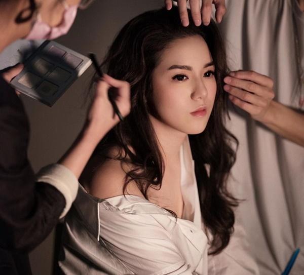 Tình cảnh trái ngược của hai người đẹp phải rời TVB-15