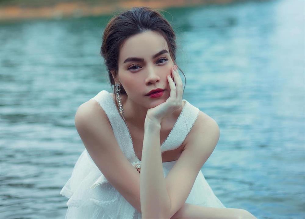Hồ Ngọc Hà thở dốc khi hát, netizen đá xoáy: Hà và Pu 10 phân vẹn 10-1