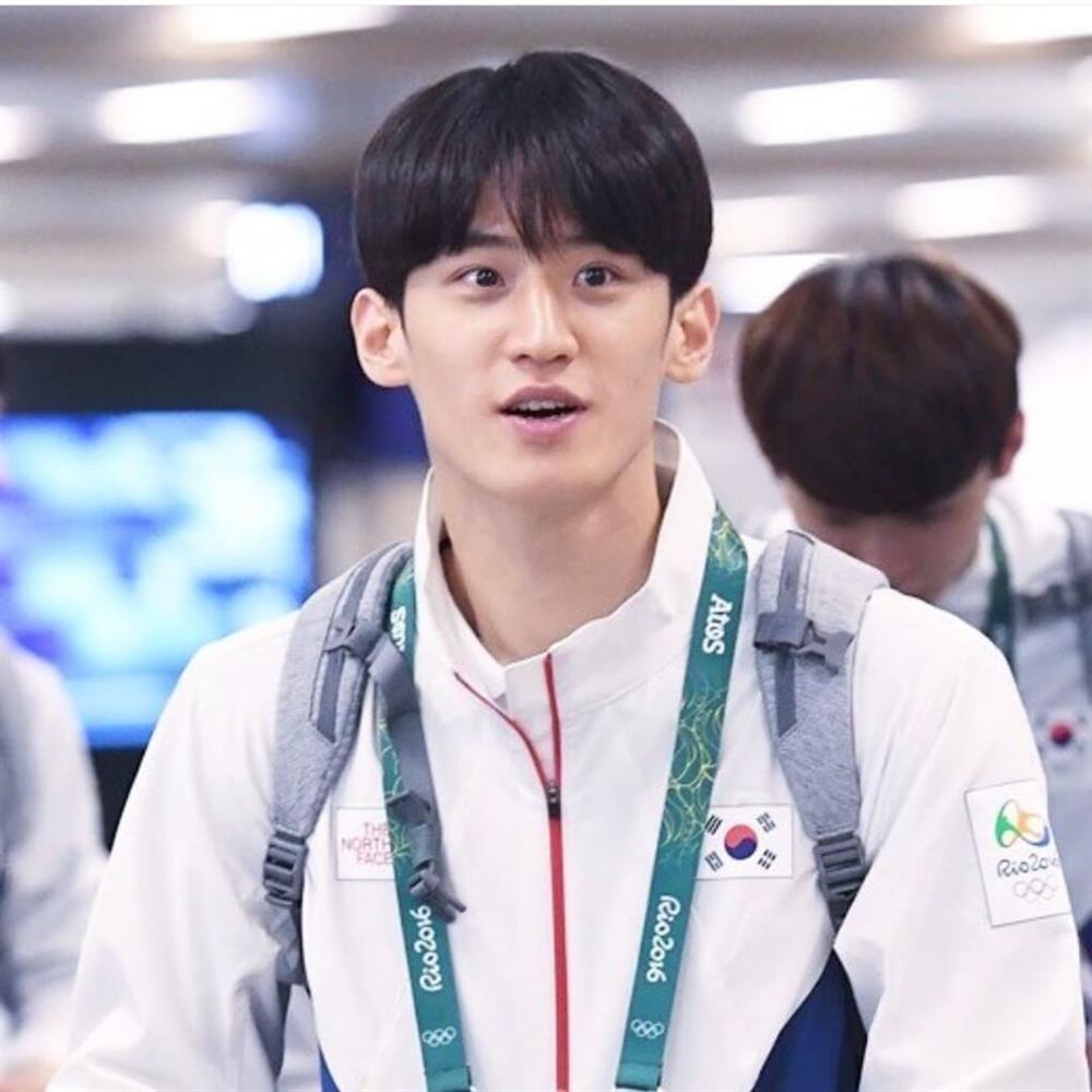 Thời trang và vẻ ngoài nam thần của đoàn Olympic Hàn Quốc-9