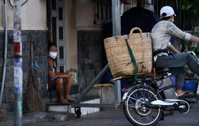 Ai có thể được cách ly tại nhà ở Hà Nội?-1
