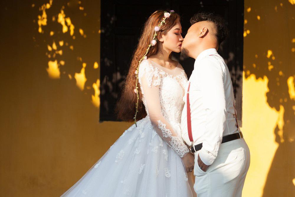 Nhan sắc nữ ca sĩ vừa tuyên bố ly hôn Vinh Râu-2