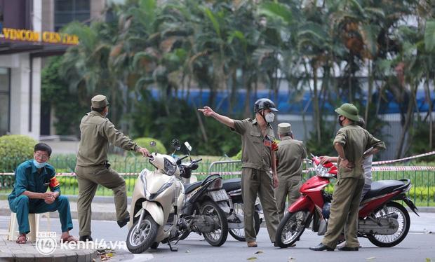 NÓNG: Hà Nội phong tỏa Vincom Bà Triệu, bảo vệ nghi nhiễm Covid-19-10