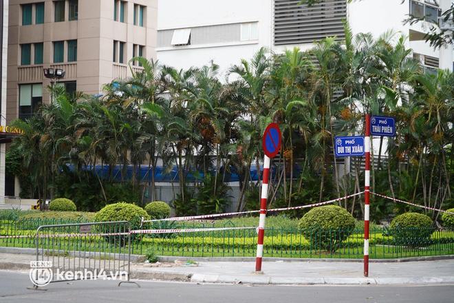 NÓNG: Hà Nội phong tỏa Vincom Bà Triệu, bảo vệ nghi nhiễm Covid-19-6