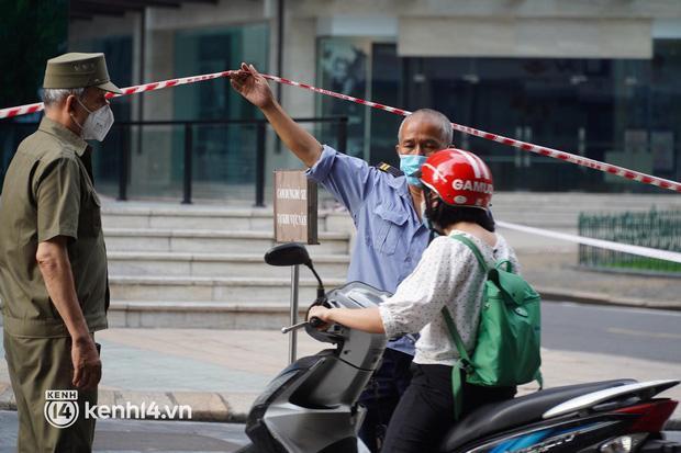 NÓNG: Hà Nội phong tỏa Vincom Bà Triệu, bảo vệ nghi nhiễm Covid-19-9