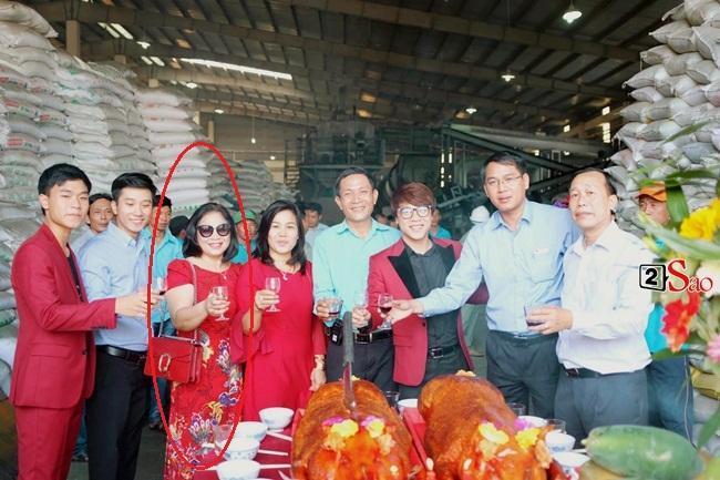 Con trai Hòa Minzy bên bà nội quyền lực, được cưng hết nấc-7