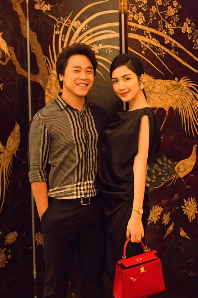 Con trai Hòa Minzy bên bà nội quyền lực, được cưng hết nấc-6