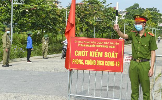 CA Hà Nội: Tháo chốt chắn tại nhiều tuyến đường, phố chính-1