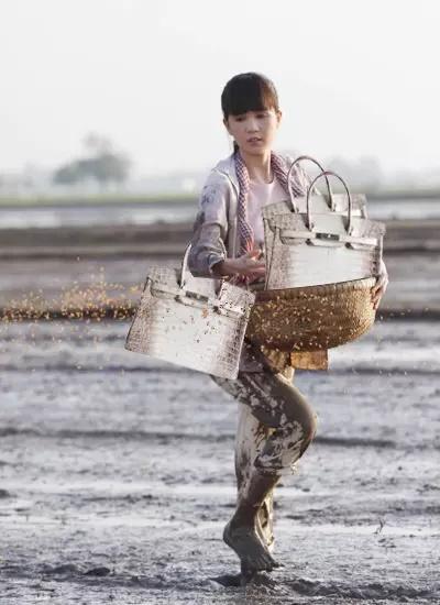 Cardi B khoe BST 26 túi Hermès nhưng không có cá sấu như Ngọc Trinh-11