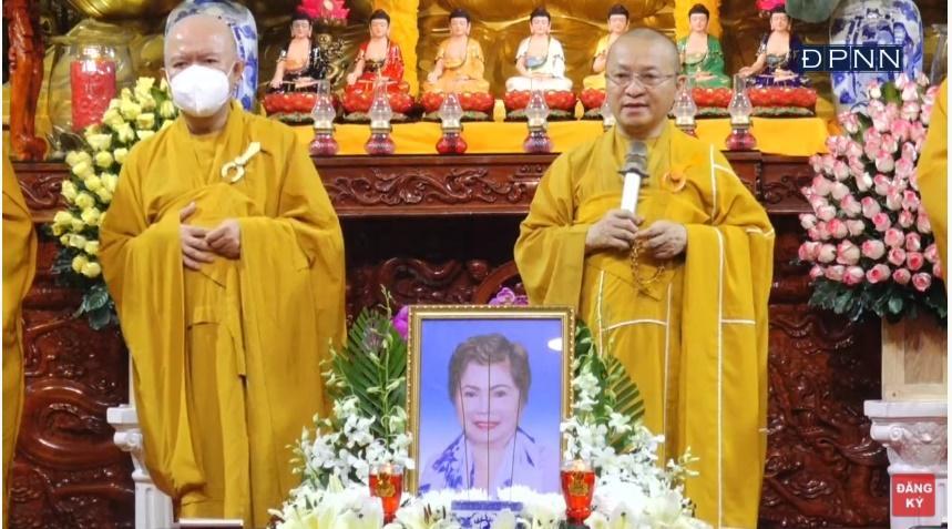 Lễ cầu siêu mẹ đẻ Ngọc Sơn, nam ca sĩ không thể có mặt-4
