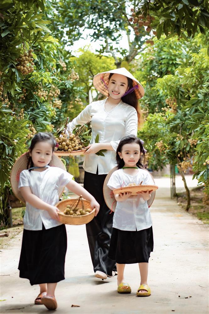 2 tiểu công chúa hóa đại sứ quảng bá nhãn Hưng Yên ngọt lịm-1