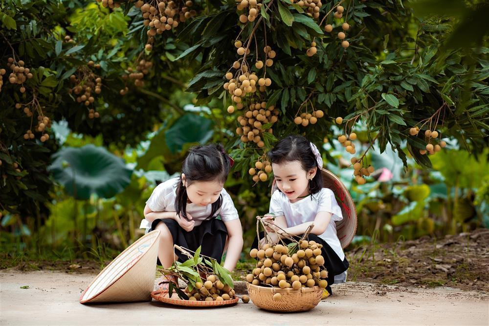 2 tiểu công chúa hóa đại sứ quảng bá nhãn Hưng Yên ngọt lịm-4