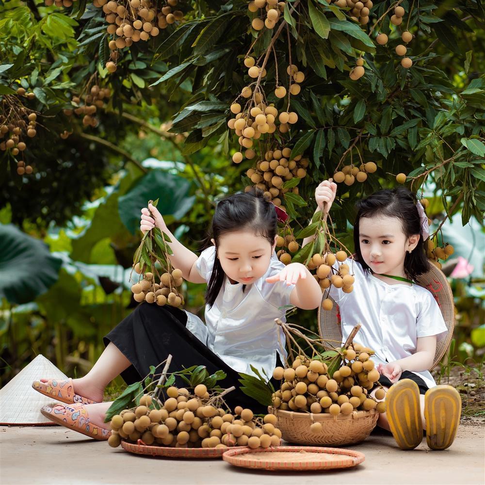 2 tiểu công chúa hóa đại sứ quảng bá nhãn Hưng Yên ngọt lịm-7