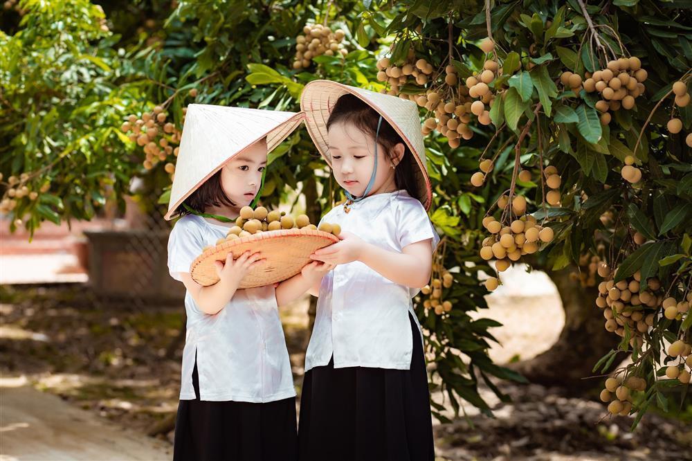 2 tiểu công chúa hóa đại sứ quảng bá nhãn Hưng Yên ngọt lịm-8