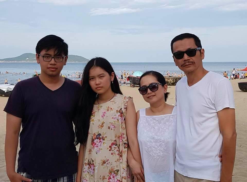 NSND Trung Anh rối bời khi tiễn con gái 18 tuổi xuất ngoại-3