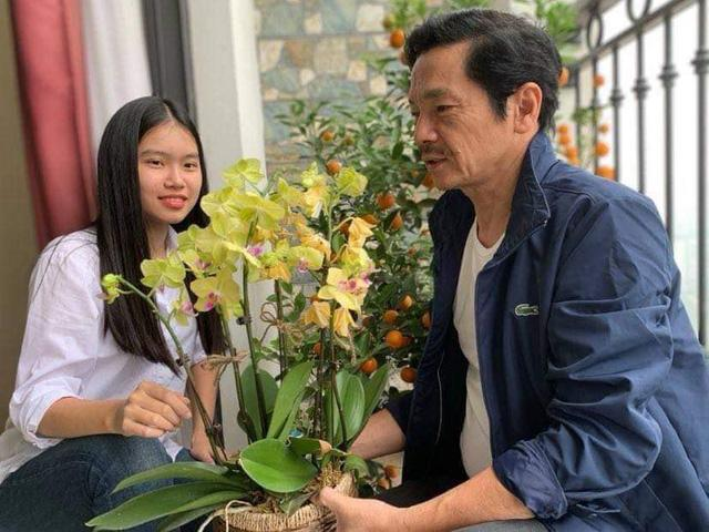 NSND Trung Anh rối bời khi tiễn con gái 18 tuổi xuất ngoại-6
