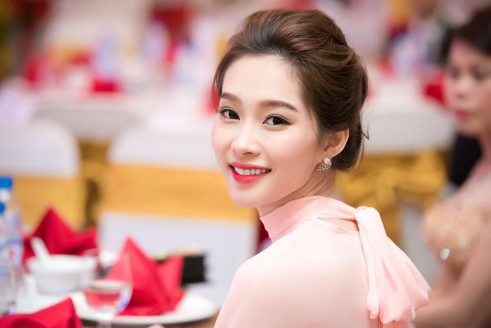 Gương mặt các hoa hậu Việt đắt giá nhất chi tiết nào?-6