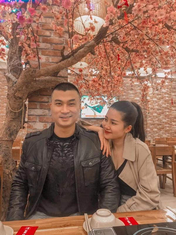 Đường tình dàn cast Mùa Hoa Tìm Lại hạnh phúc khác hẳn trên phim-8