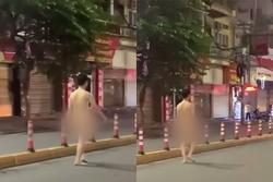Clip: Thanh niên 'trần như nhộng', ung dung đi bộ giữa phố Hải Phòng
