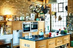 Nhà bếp nằm vị trí sức khỏe đi xuống tài lộc đi ra, làm được không giữ được