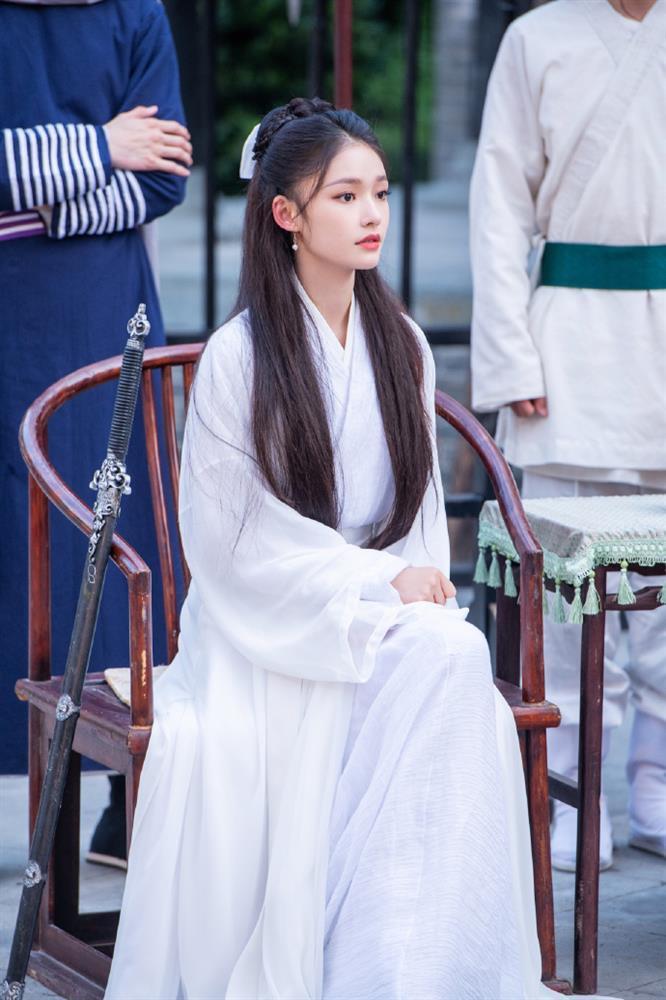 Lâm Duẫn hóa Tiểu Long Nữ: Có đẹp hơn Lưu Diệc Phi, Lý Nhược Đồng?-3