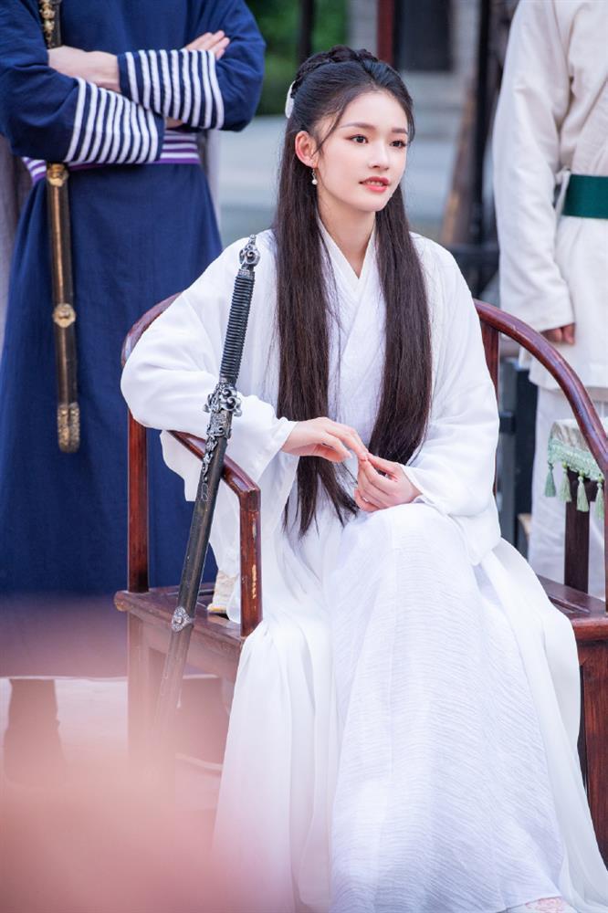 Lâm Duẫn hóa Tiểu Long Nữ: Có đẹp hơn Lưu Diệc Phi, Lý Nhược Đồng?-4