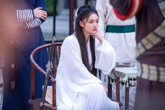 Lâm Duẫn hóa Tiểu Long Nữ: Có đẹp hơn Lưu Diệc Phi, Lý Nhược Đồng?-8